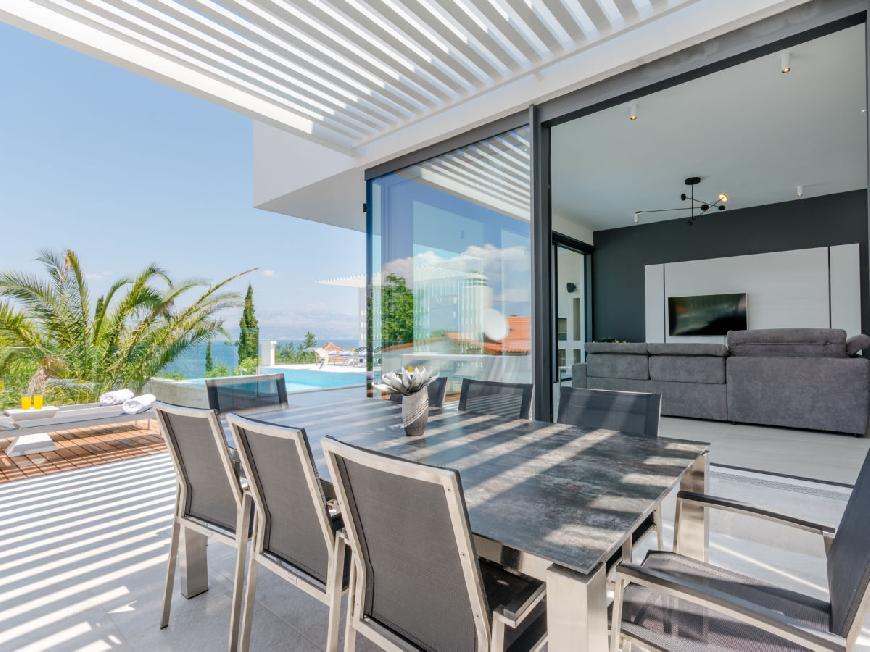 Luxuriöse Villa Pax mit beheizbarem Infinity-Pool