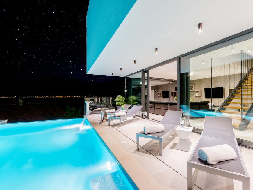 Luxuriöse Villa Vitae mit beheiztem Infinity-Pool